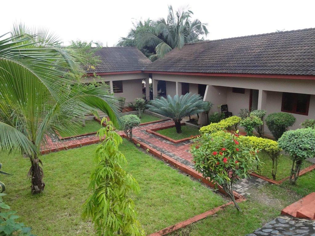 Coconut Grove Miners Lodge