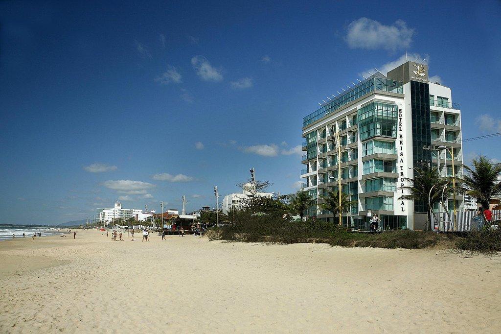 ホテル ブリサ トロピカル デ マカエ