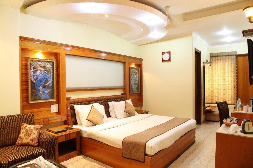 Hotel TJS Royale