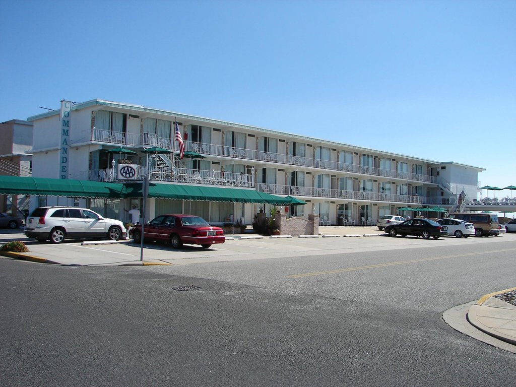 ‪Commander-By-The-Sea-Motel‬