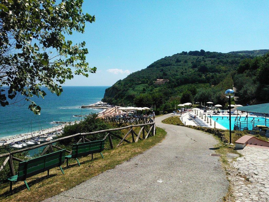 Hotel Capo Est