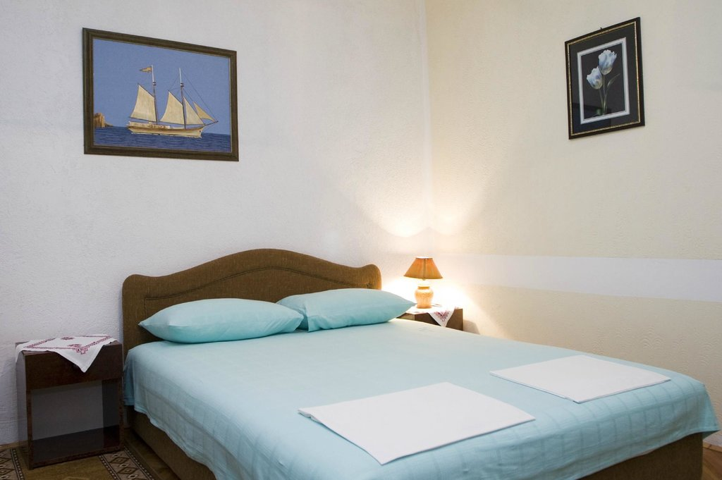 Apartments & Restaurant Sidro