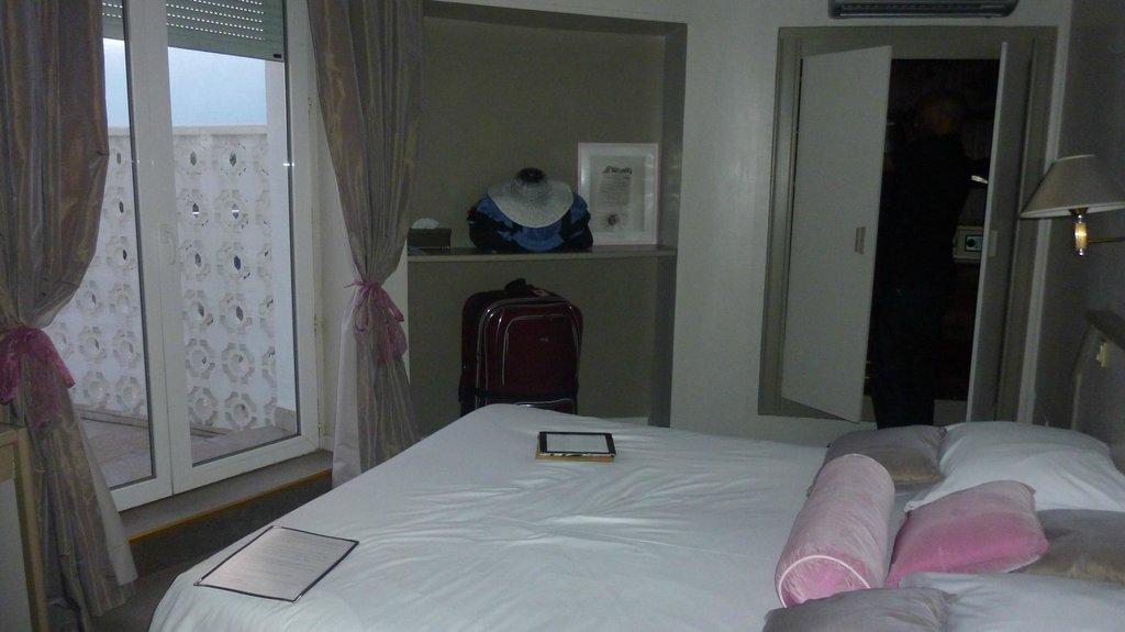 勒魯勒酒店