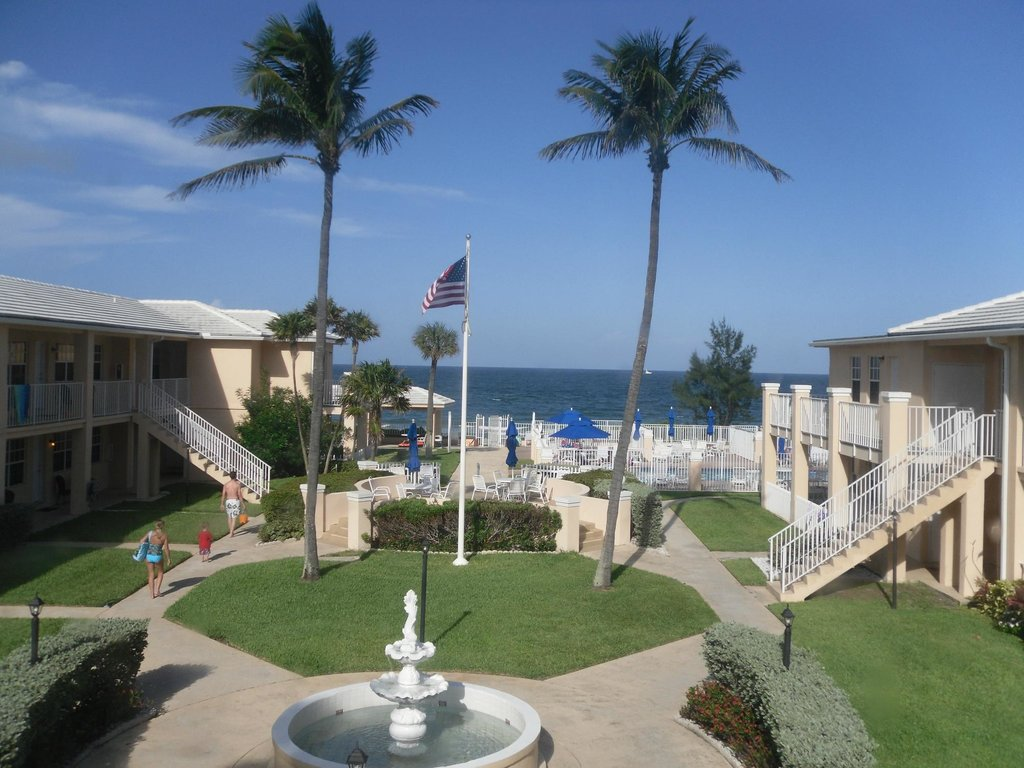Gulfstream Manor Resort