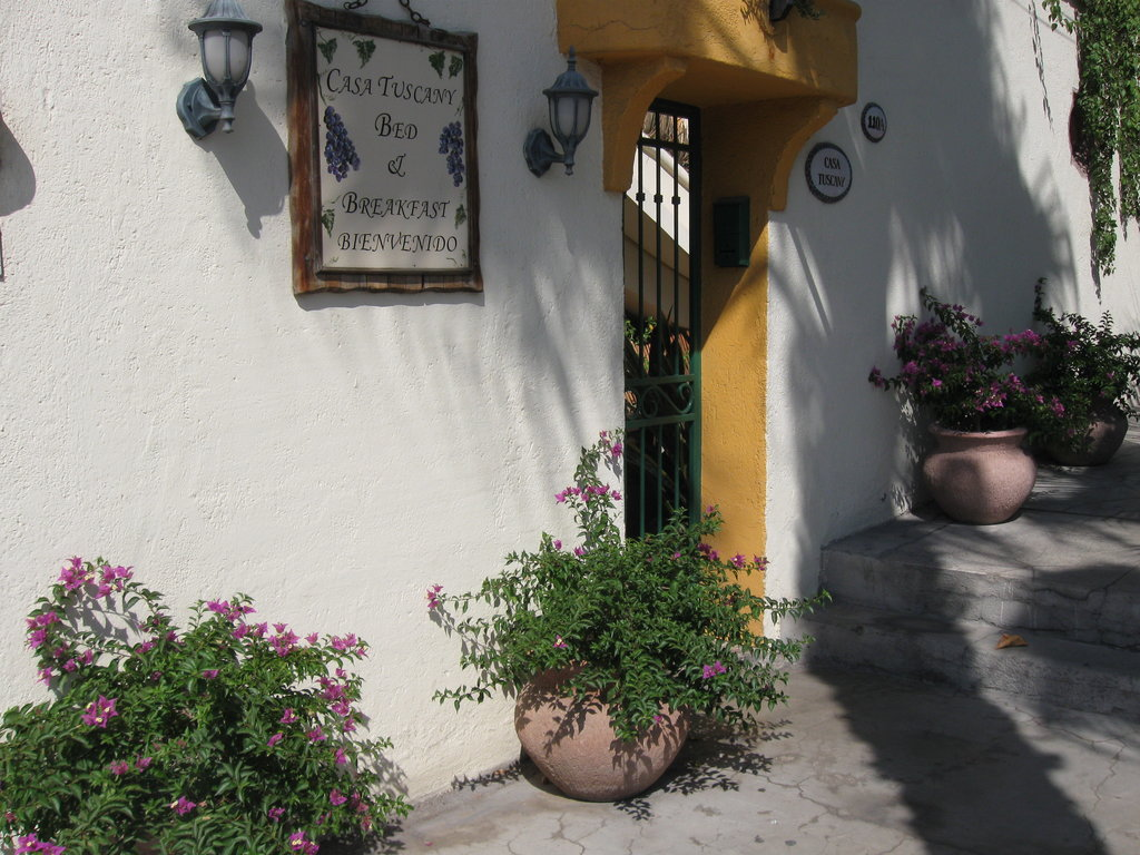 Casa Tuscany Inn