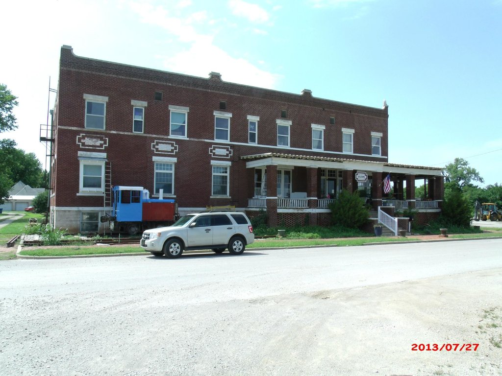Leatherock Hotel Center