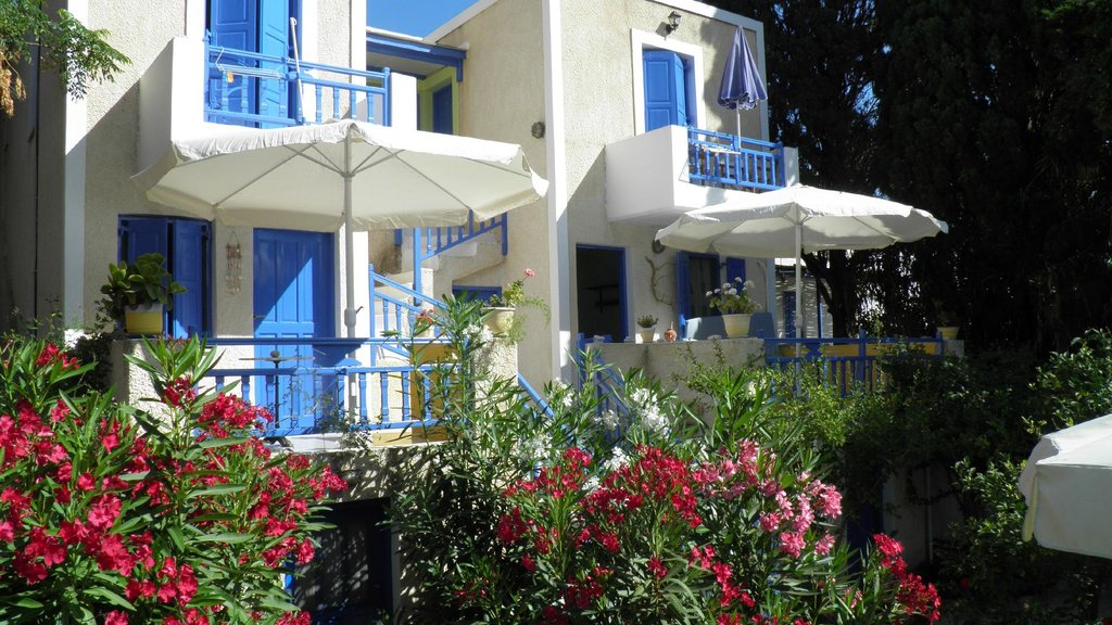 Voula Beach Rooms
