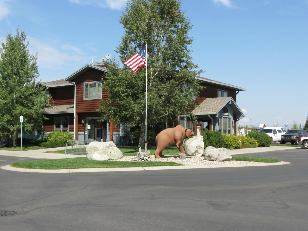 ‪Yellowstone Grizzly RV Park‬