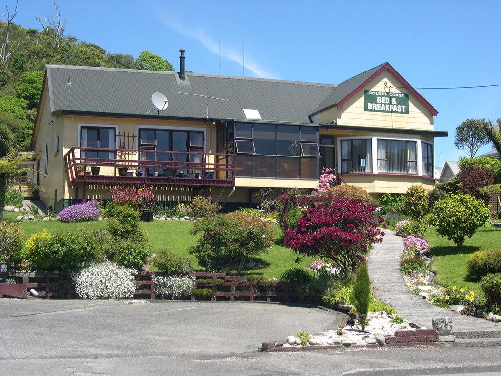 Golden Coast Bed & Breakfast