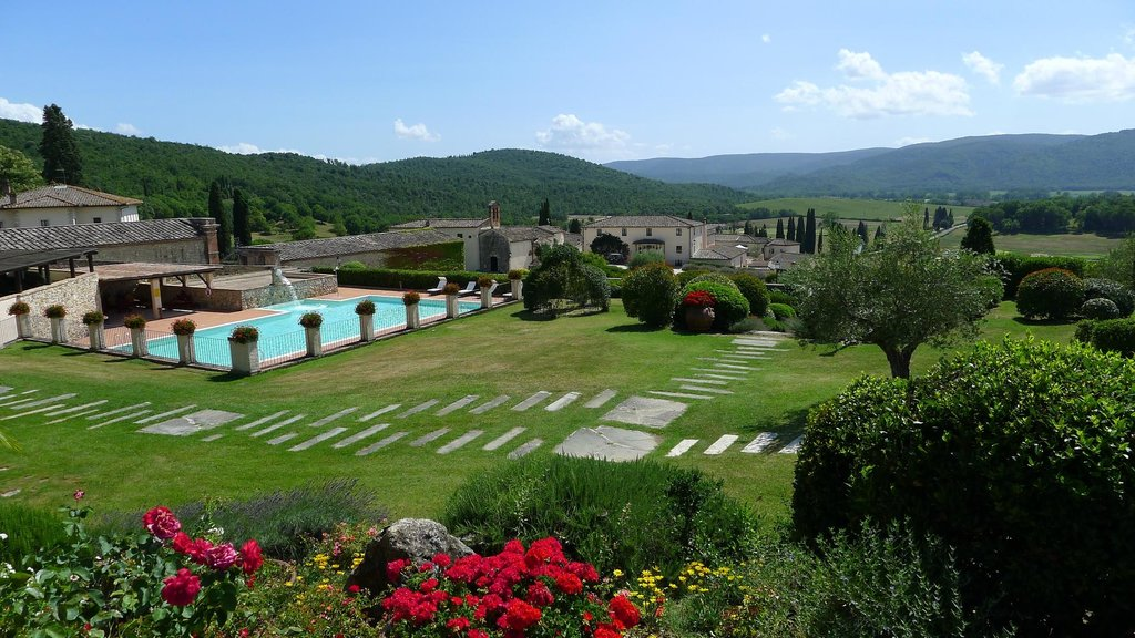 La Bagnaia Golf & Spa Resort Siena, Curio a Collection by Hilton