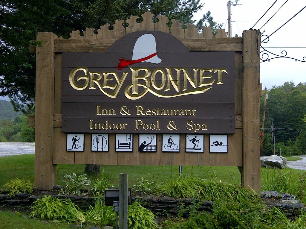 ‪Grey Bonnet Inn‬