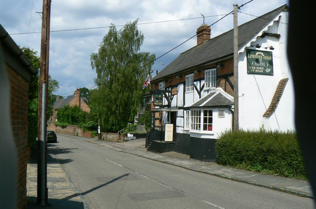 The Lowndes Arms