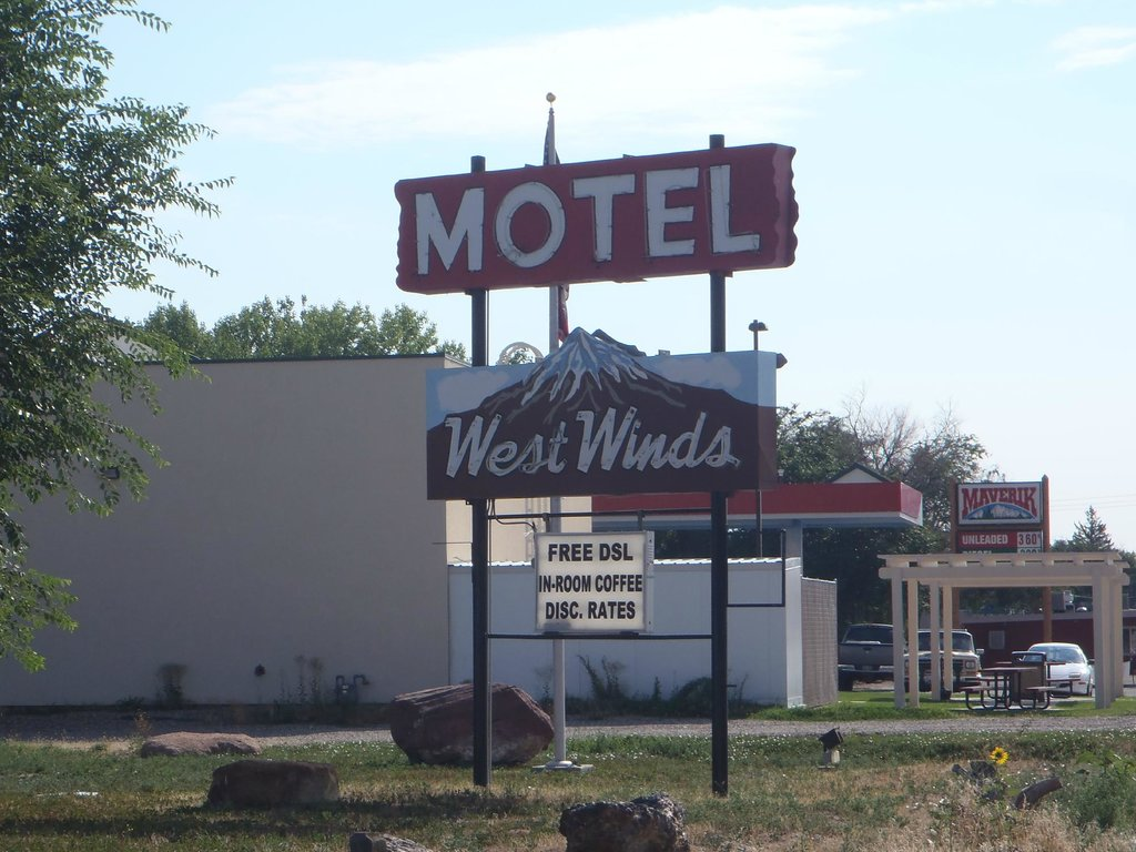 ‪West Winds Motel‬