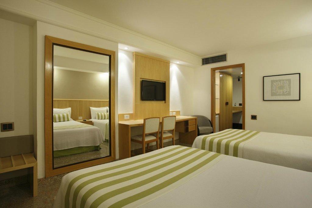 ロイヤルパレスホテル