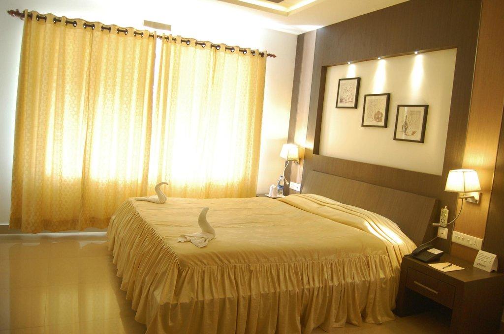 Hotel Monad