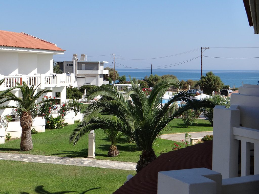 Chryssana Beach Hotel