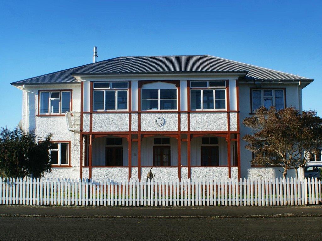 42b College House