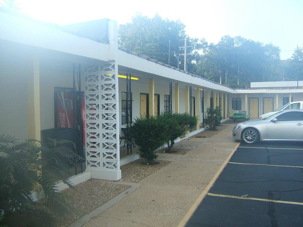 Hawthorne Motel
