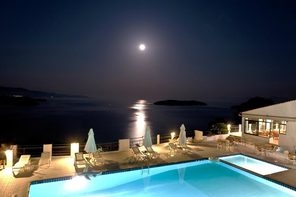 Skiathos Club Hotel Suites