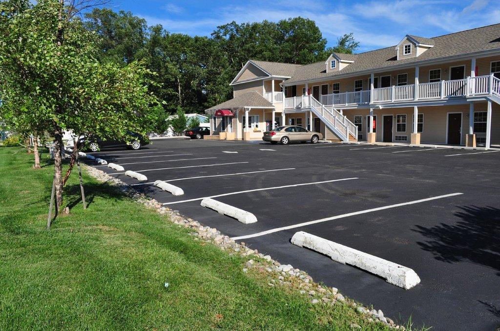 At 9 Motel