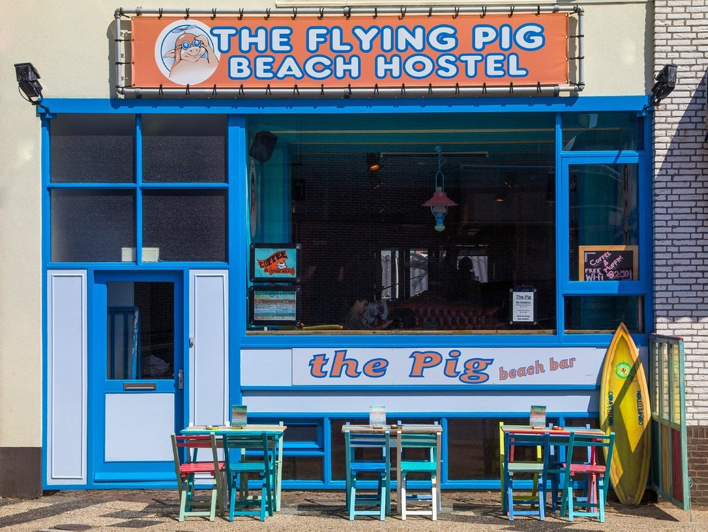 ‪Flying Pig Beach Hostel‬