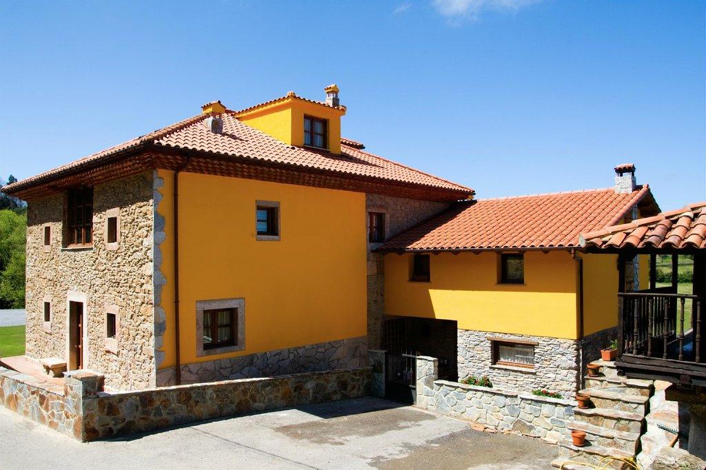 Casa de Aldea Los Sombredales