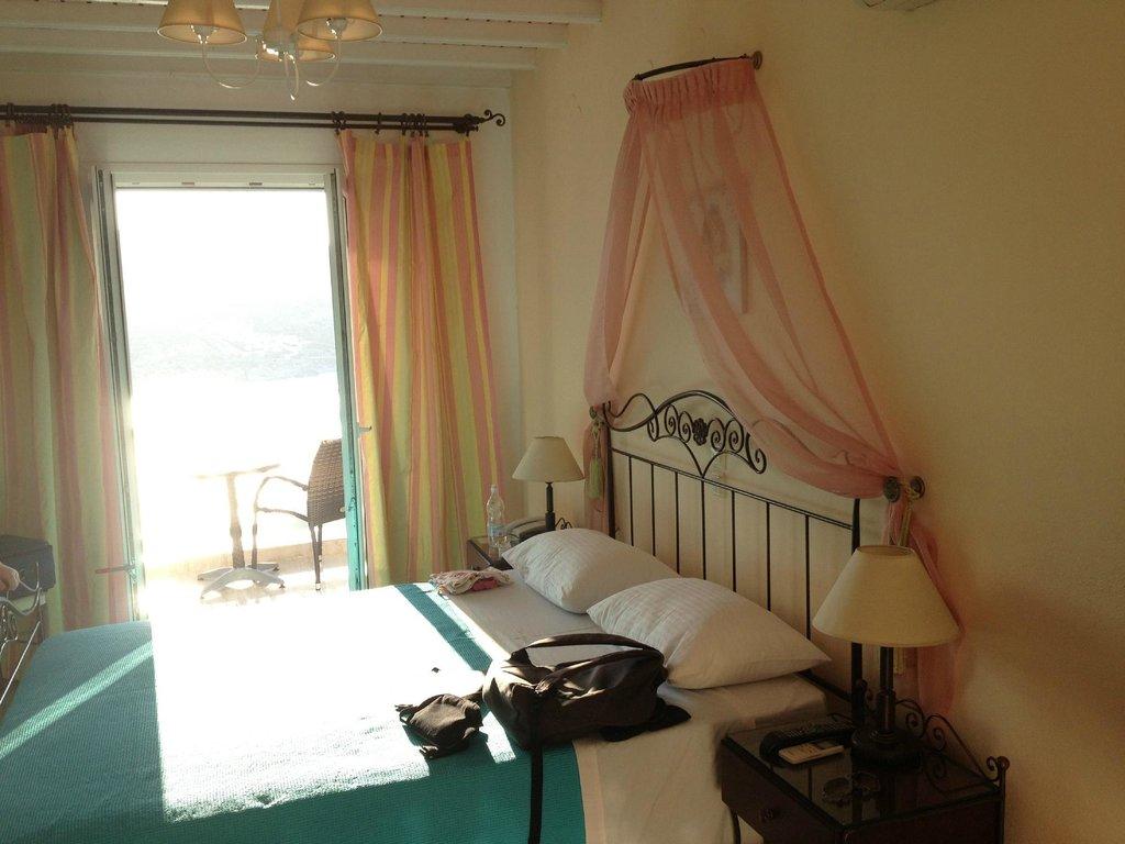 Vana Holidays Hotel