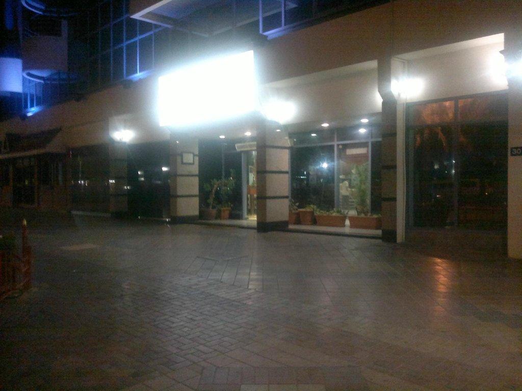 ドバイ パーム ホテル