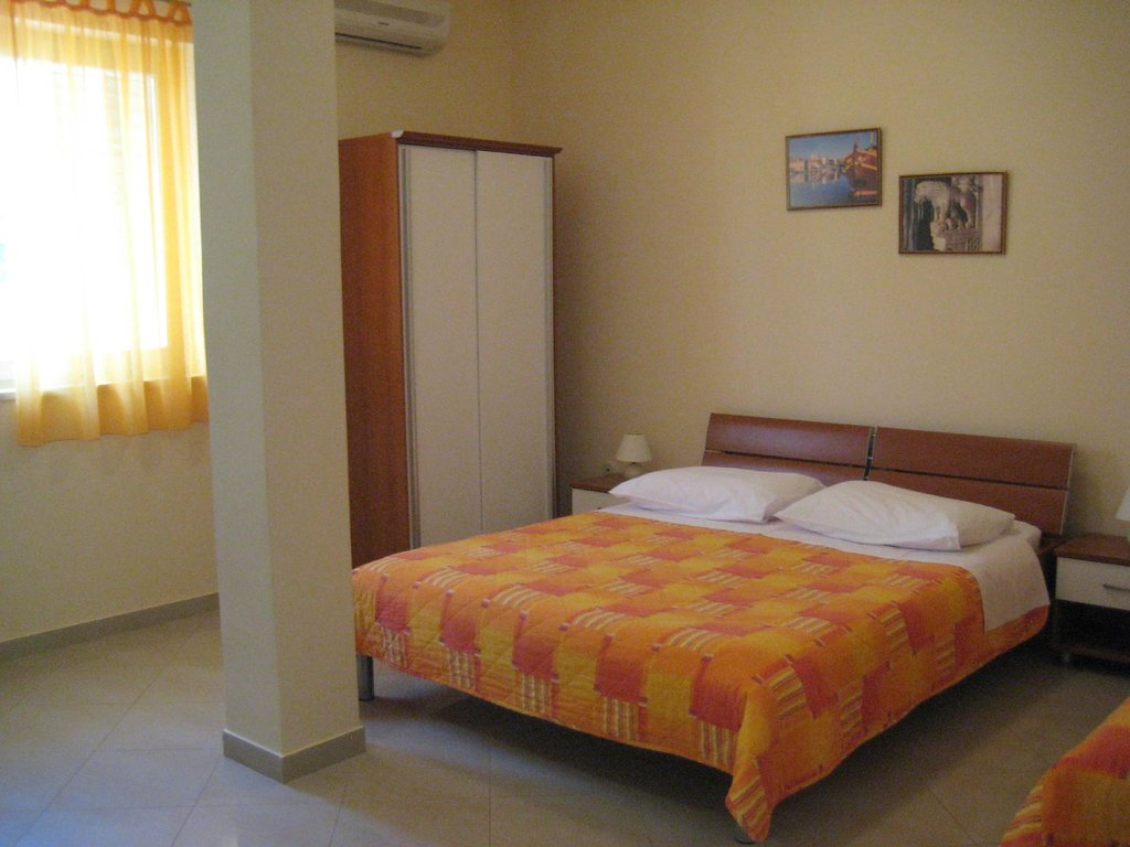 Apartments Roza