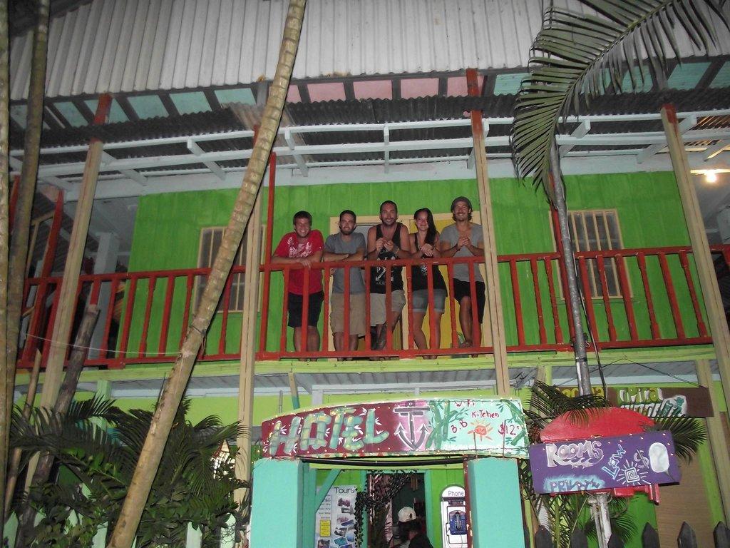 El Capitan Hotel / Hostel