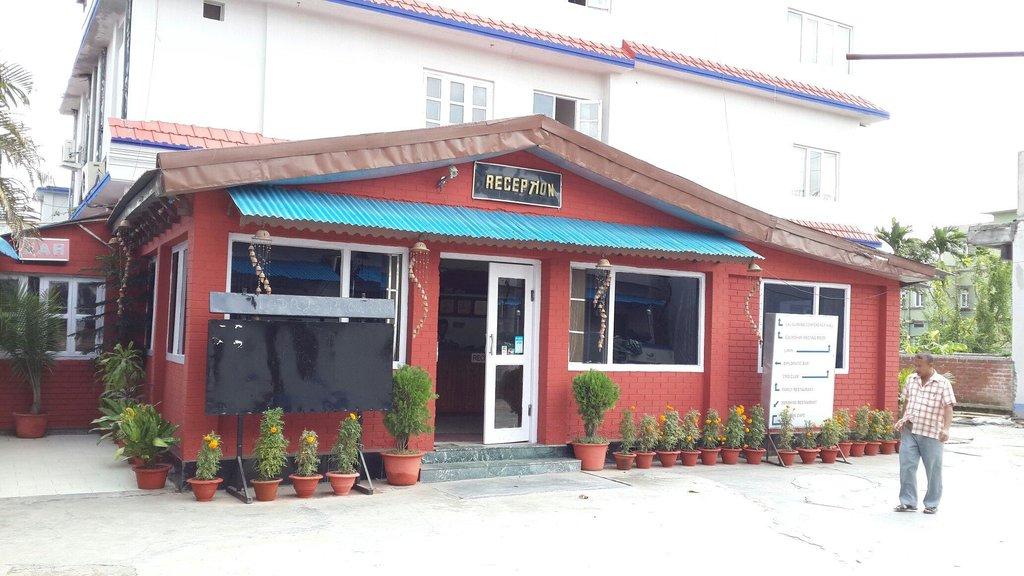 Ratna Hotel