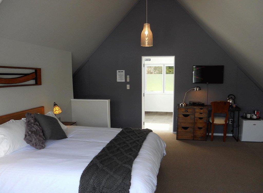 Lupton Lodge