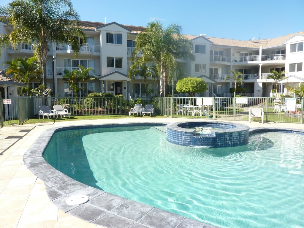 Pelican Cove Apartments