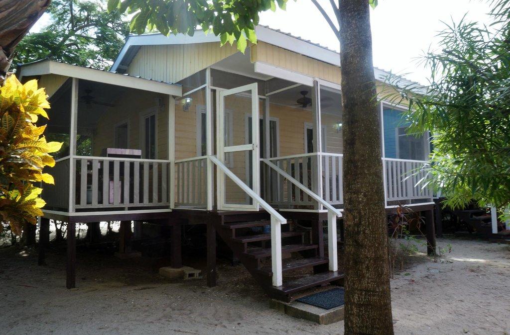 Placencia Cabanas