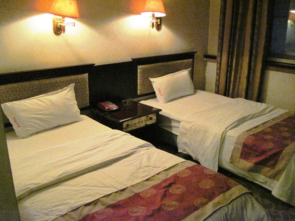 Shunlong Hotel