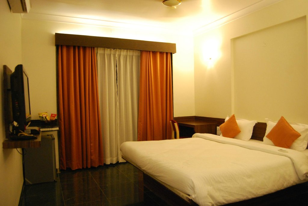 Hotel KB's Grand Shirdi