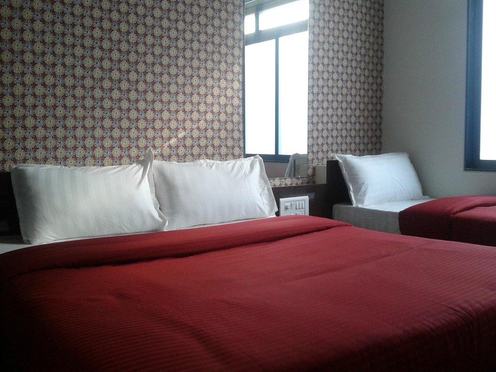 โรงแรมสกายเวย์ อินน์