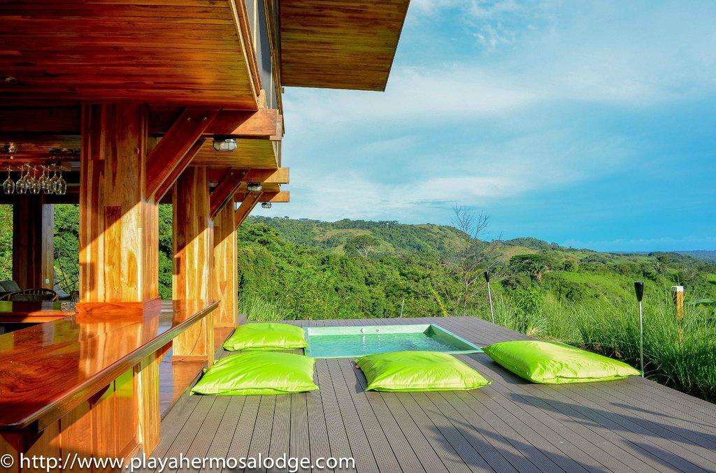 Playa Hermosa Lodge