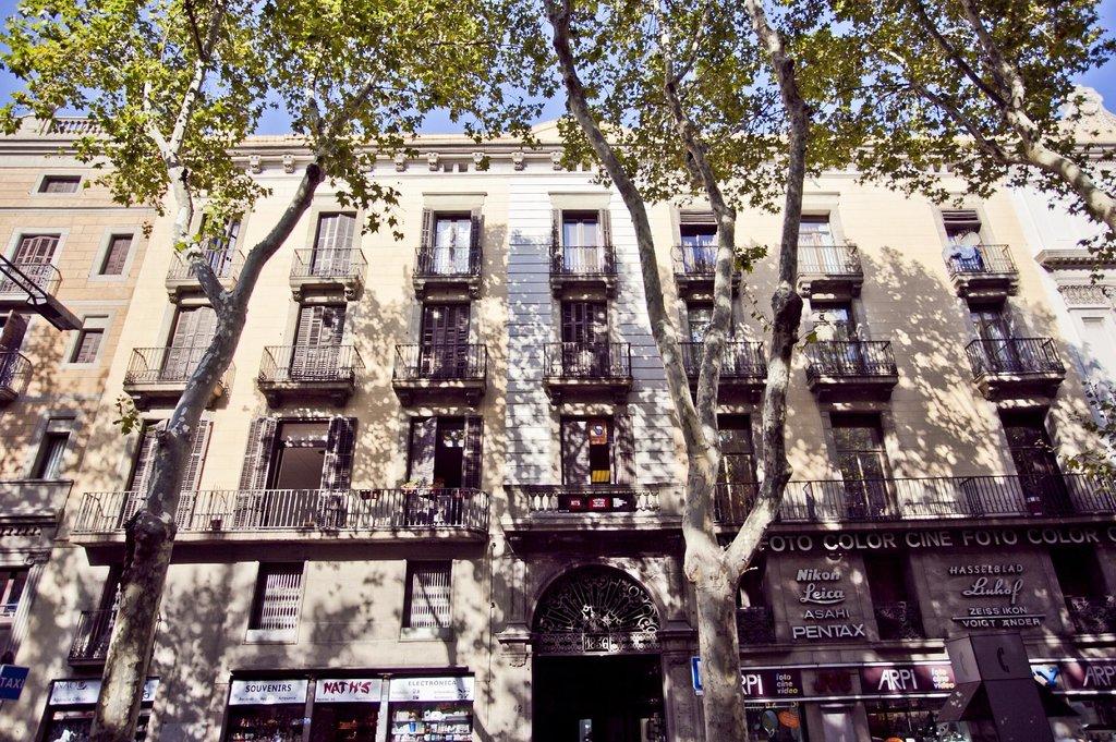Las Ramblas Bacardi Apartments
