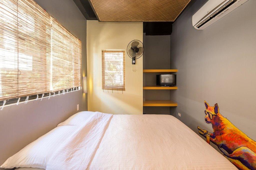 MNL Boracay Beach Hostel