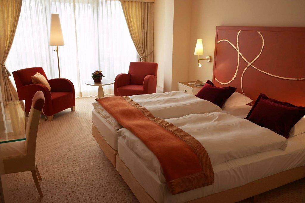 Casino 2000 Hotel