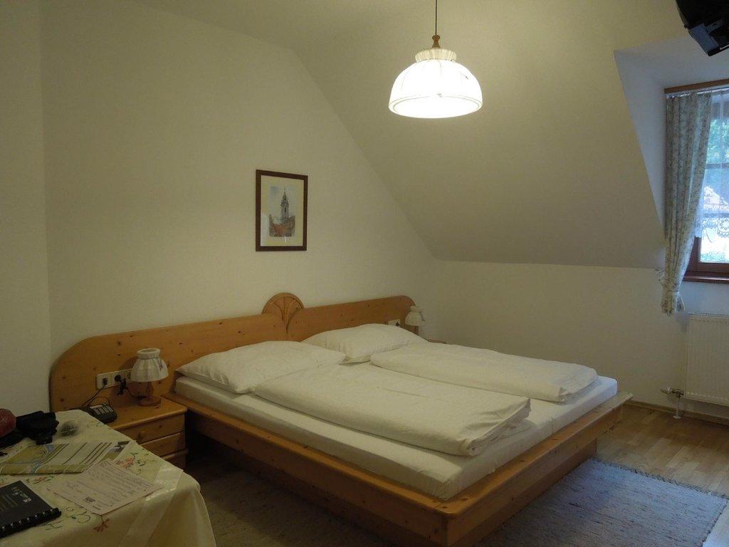 Winzerhof & Gaustehaus Stoeger