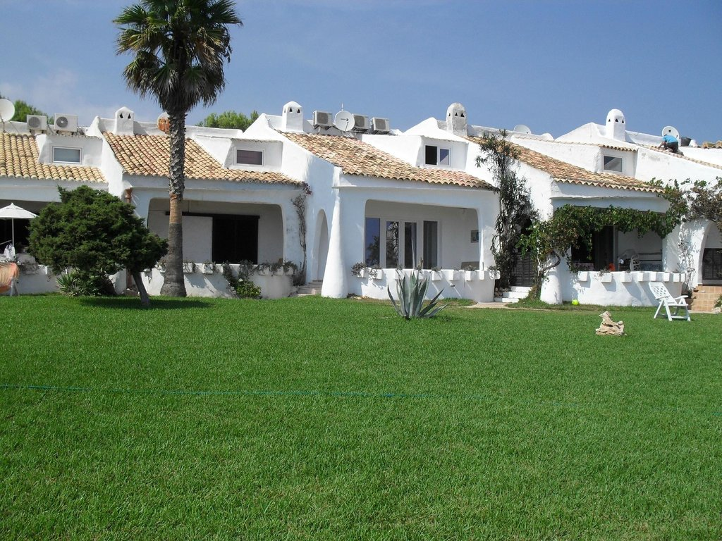 Roca Serena Apartments