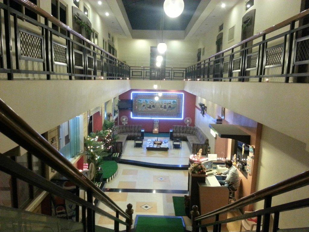 Shiv Hotel