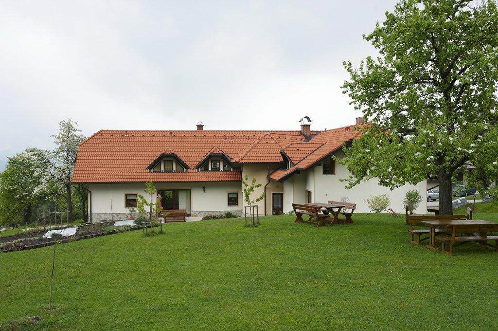 Tourist farm Ravnjak