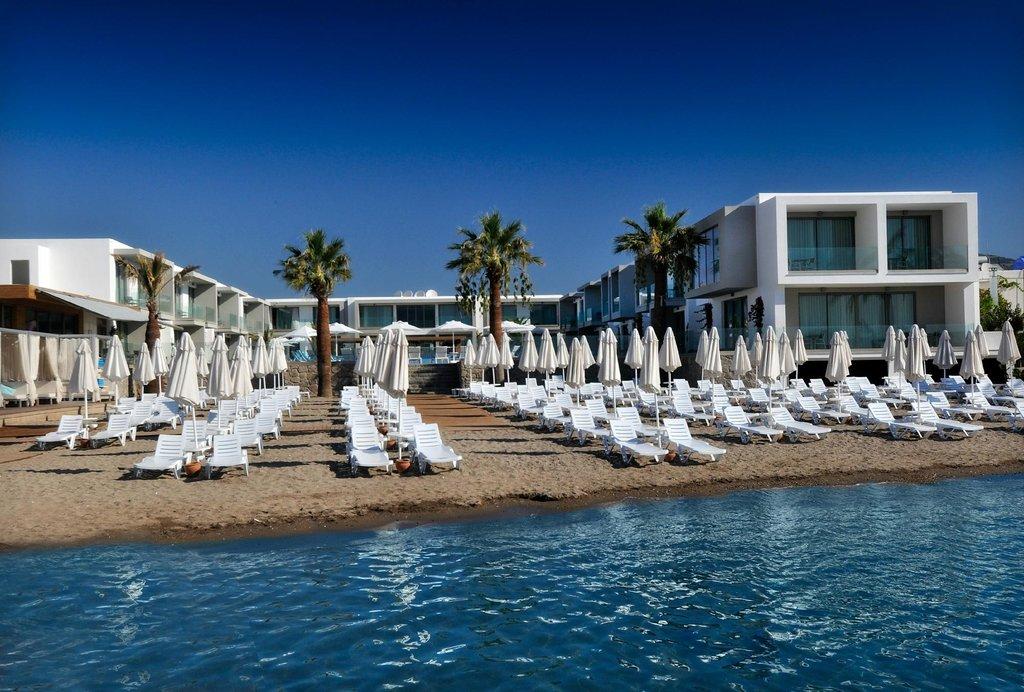 Lugga Beach Boutique Hotel