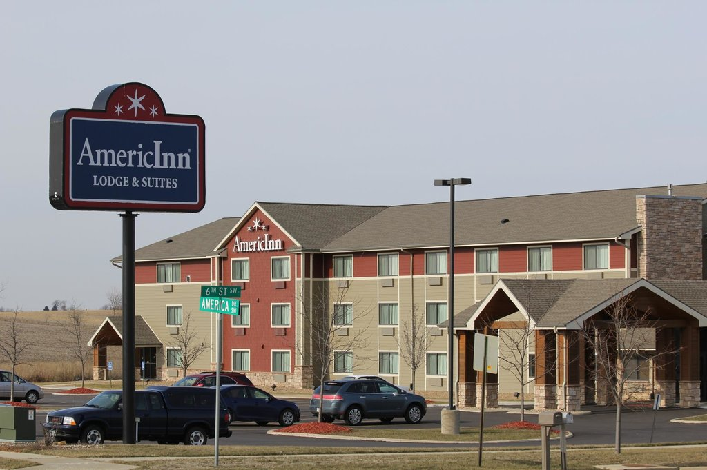 ‪AmericInn Lodge & Suites Cedar Rapids Airport‬