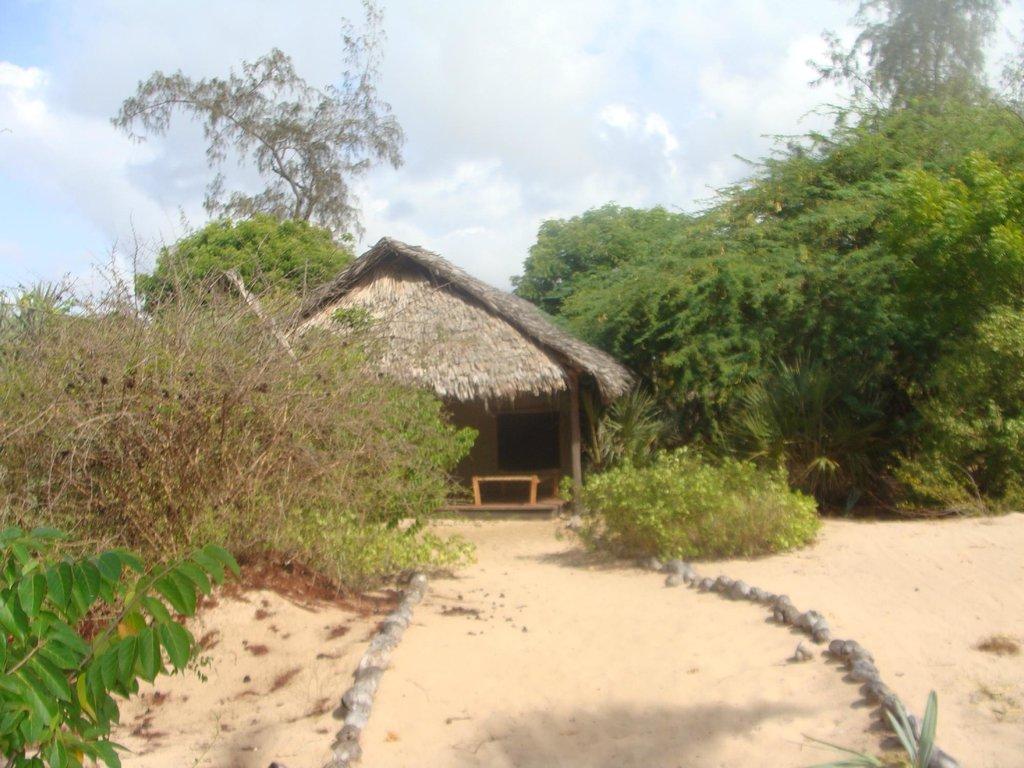 Barefoot Beach Camp