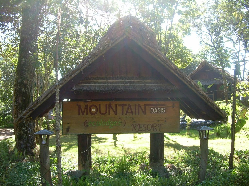 Mountain Oasis Resort (ecological lodges)