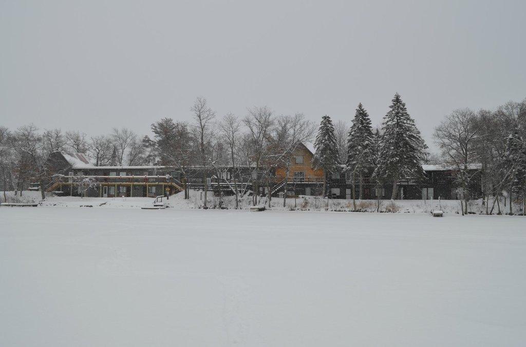 柯里爾湖景旅館
